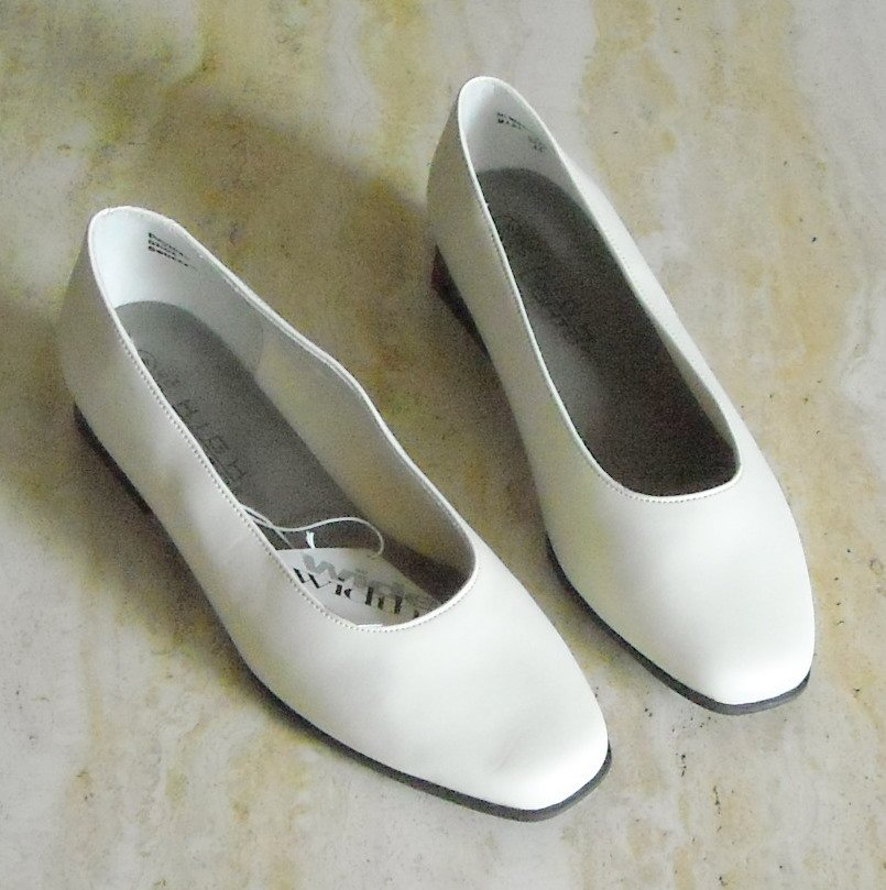 New High Lights Womens Shoes Beige Size 8 W