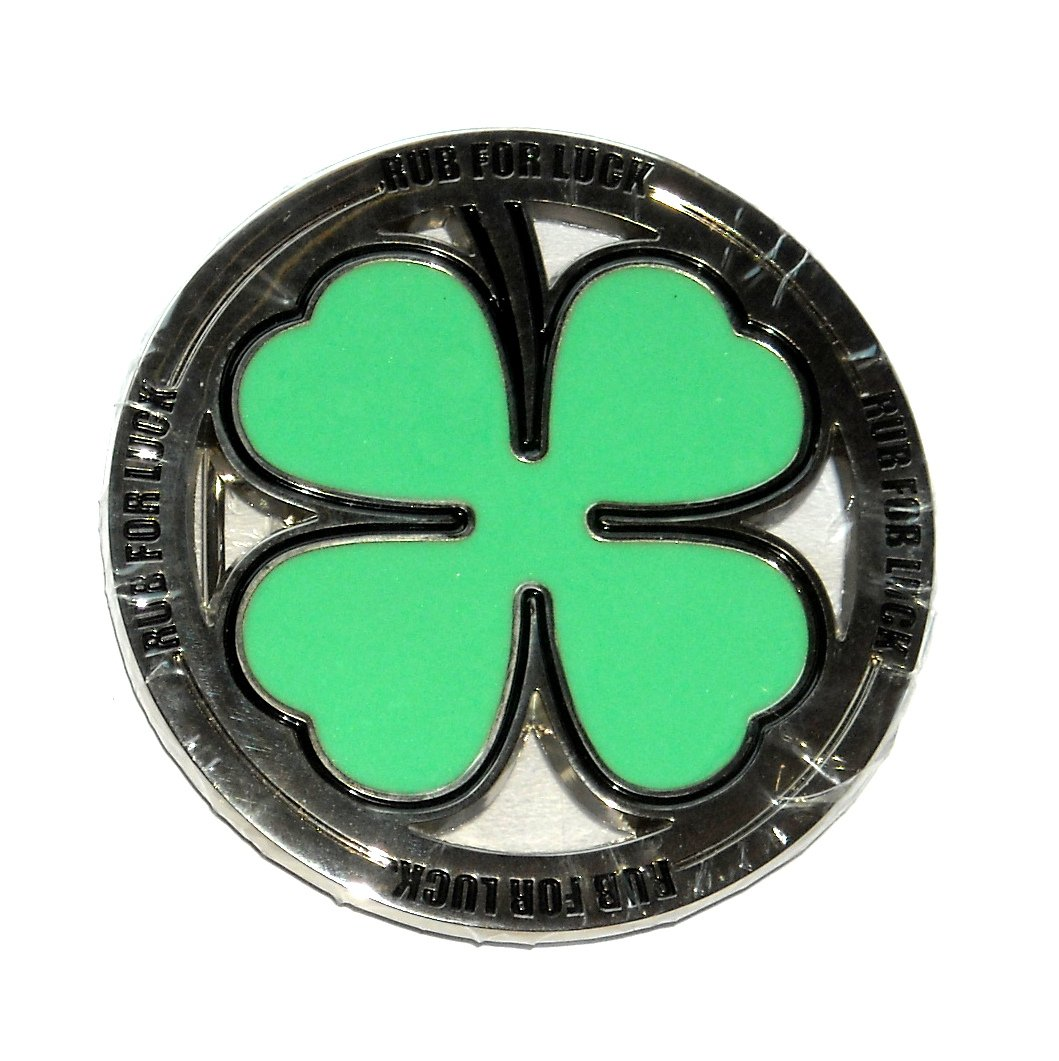 Four Leaf Clover Rub For Luck Round Belt Buckle