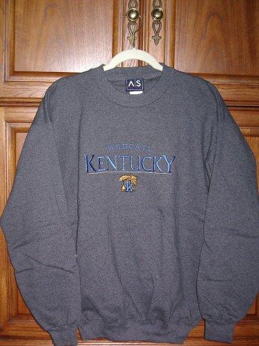 Kentucky Wildcats embroidered KENTUCKY and logo sweatshirt size M
