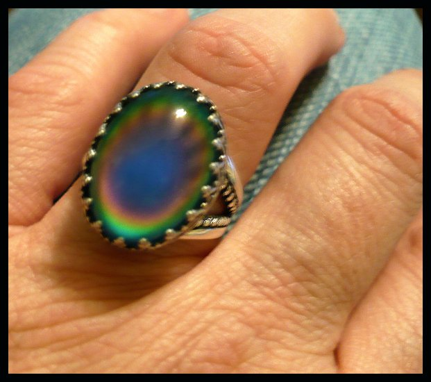 Large Classy Sterling Silver Mood Ring w/ Vivid Color Changes