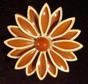 Enamel Flower Pin/Brooch Brown/White STUNNING!
