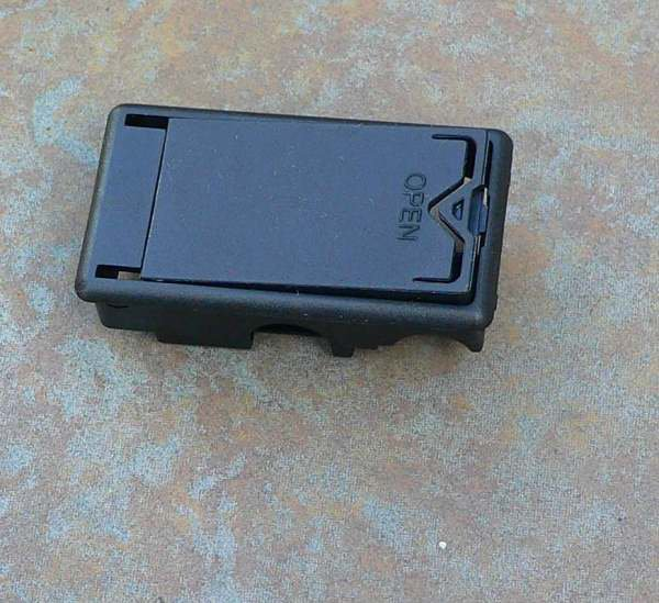 Dunlop Crybaby wah battery BOX with door