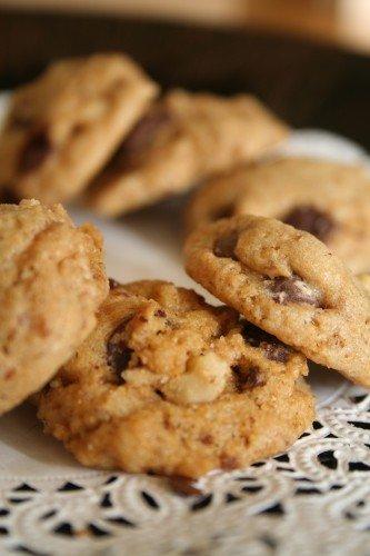 1 1/2 Dozen (18) Premium Homemade Chocolate Chip Cookies *WITH WALNUTS*