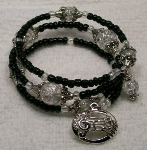 Black beaded Memory Wire Bracelet with MUSIC CHARM. Visit Our Store twodotts.ecrater.com