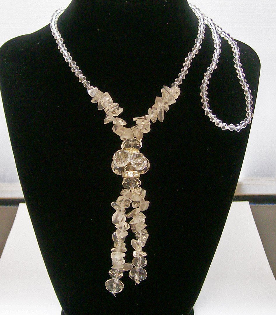 Fashion Necklace with frosted & crystal color beads.