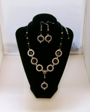 Black & Silver tone beaded Necklace & ear ring set.