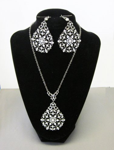 Chandelier Necklace with matching ear rings.