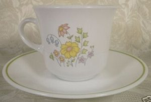 CORELLE SPRING MEADOW FLORAL CUPS & SAUCERS SET OF 4
