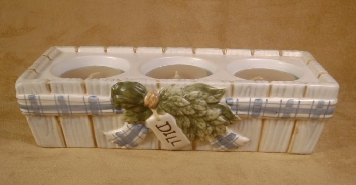 YANKEE CANDLE WINDOW BOX TEALIGHT HOLDER W/TEALIGHTS