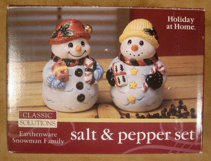 JAY IMPORTS SNOWMAN FAMILY SALT & PEPPER SET *NIB*