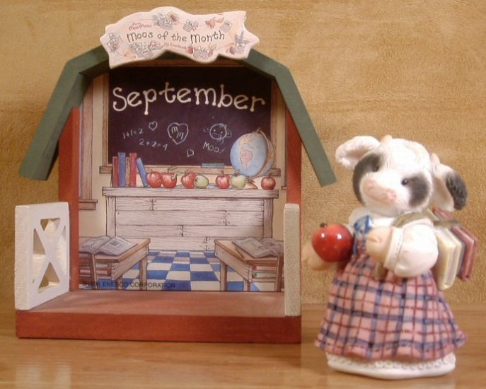 ENESCO SEPTEMBER MOO MOO OF THE MONTH W/DISPLAY BOX *SHIPS FREE*