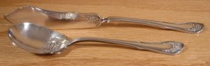 ONEIDA COMMUNITY RELIANCE SILVER PLATE BRIDAL ROSE 2 PC. *SHIPS FREE*