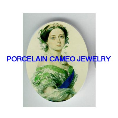 QUEEN VICTORIA IN GREEN UNSET PORCELAIN CAMEO CABOCHON