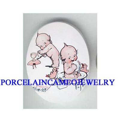 2 KEWPIE BABY WASHING DUCK * UNSET CAMEO PORCELAIN CAB