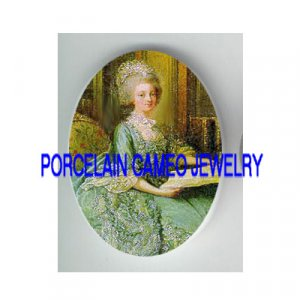 QUEEN MARIE ANTOINETTE GREEN DRESS CAMEO PORCELAIN CAB