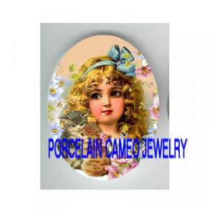 VICTORIAN BLUE RIBBON GIRL 2 HUGGING KITTY CAT DAISY* UNSET PORCELAIN CAMEO CAB