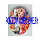 VICTORIAN POPPY  GIRL WITH 2 KITTY CAT * UNSET PORCELAIN CAMEO CAB