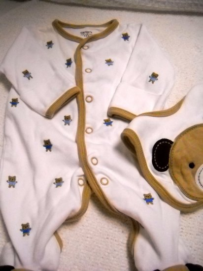 Carter�s Boys Snap Sleeper with Bib Newborn Cut Small (HC19)