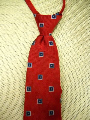 Club Room Boys Lined Red Navy Square Pattern 100% Silk Neck Tie (HC25)