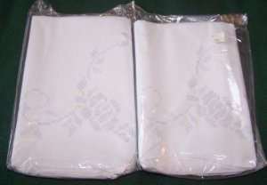 VINTAGE  ~ 2 PAIR of Matching Stamped Poly Cotton White Pillowcases to Embroider