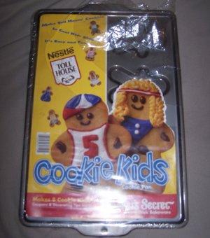 18� Nestle Toll House COOKIE KIDS Ekco Baker's Secret PAN 8-on Boy / Girl