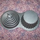 WILTON DIMENSIONS GIANT 3D CUPCAKE LARGE PAN MOLD DECORATIVE BAKEWARE