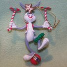 LOONEY TUNES ORNAMENT { BALANCING BUGS BUNNY DATED 2000 }