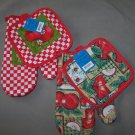 TWO SETS of 2-Piece Oven Mitt Set - Mitt and Pot Holder - Apple Designs