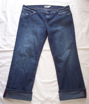Anchor Blue Stretch distressed jean capris cropped 15 14