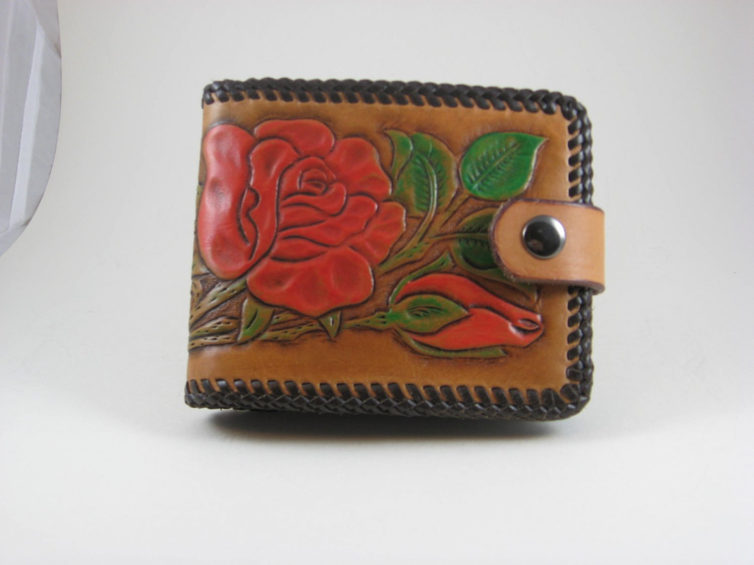 Ladies Deluxe Wallet, Chestnut Tan, Black Lacing, Handtooled Leather, Red Rose W0010