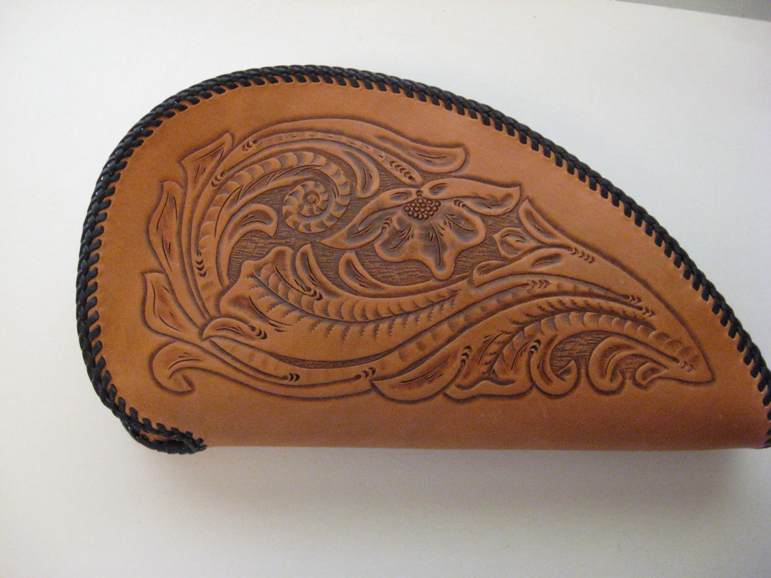 Pistol Case, Chestnut Tan Finish, Handtooled Leather, Synthetic Wool Liner, Brass Zipper G0002