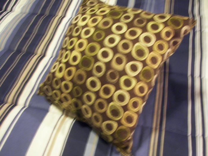 Greeny Circle Pillow