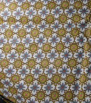 Medium Stylized Print-Cotton VINTAGE FABRIC fat qtr