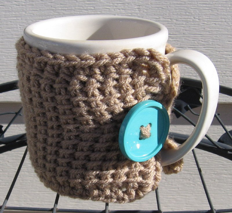 Crochet Coffee Tea Mug Cup Cozy Taupe Blue Button MC2