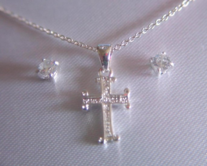 FILIGREE CROSS NECKLACE AND EARRING SET