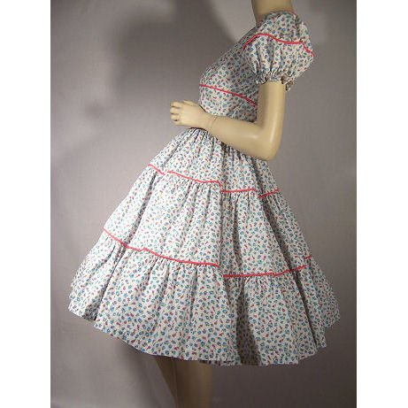 1950's Sweet Pink Piped Floral Dress with a Full Skirt! Petite S