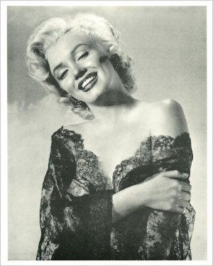 MARILYN MONROE 8x10 Semi-Glossy Black & White Press Photo REPRINT?