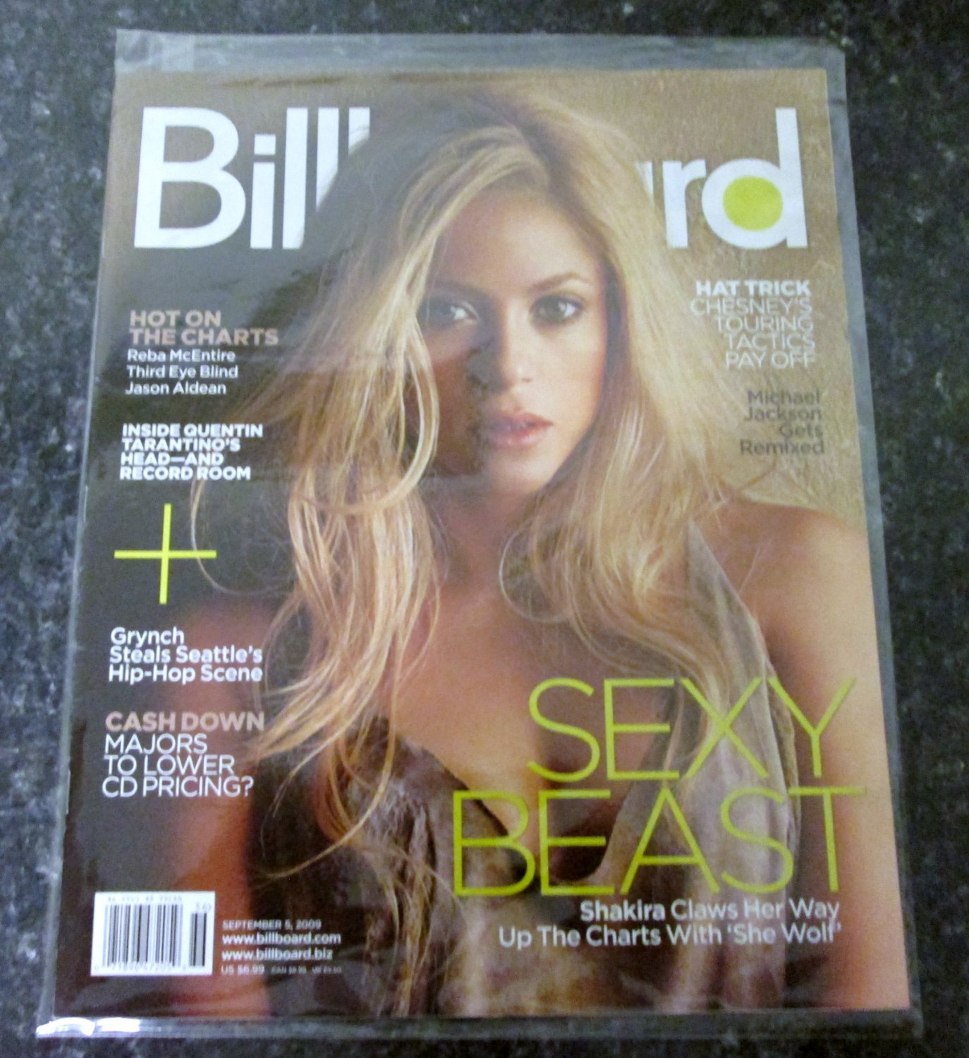 BILLBOARD MAGAZINE September 5, 2009 SHAKIRA COVER Quentin Tarantino NEW COPY!