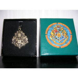 Harry Potter Hogwarts Necklace New In Box