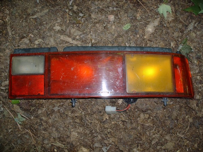 89-91 Geo Metro OEM Passenger Tail light Assembly used