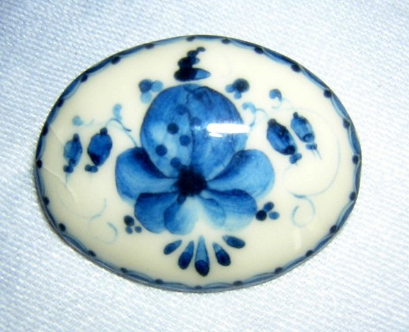 Galina Simonova hand painted ceramic brooch pin ll1993