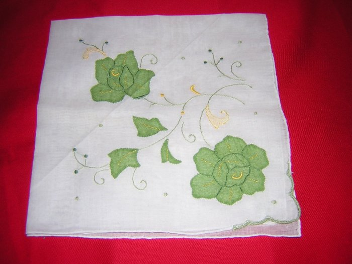 Linen hanky embroidered appliqued green roses vintage ll1654