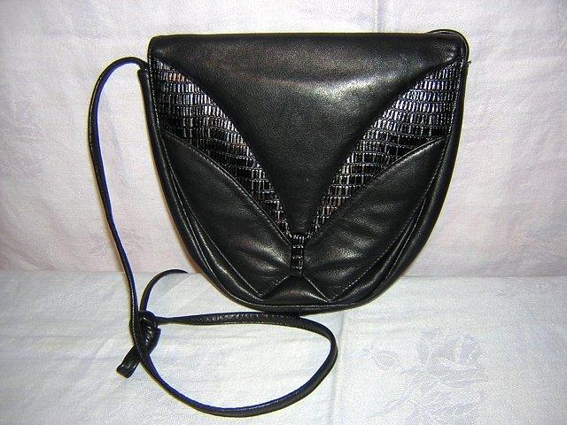 Black leather shoulder bag Elegance Canada unused vintage ll1577