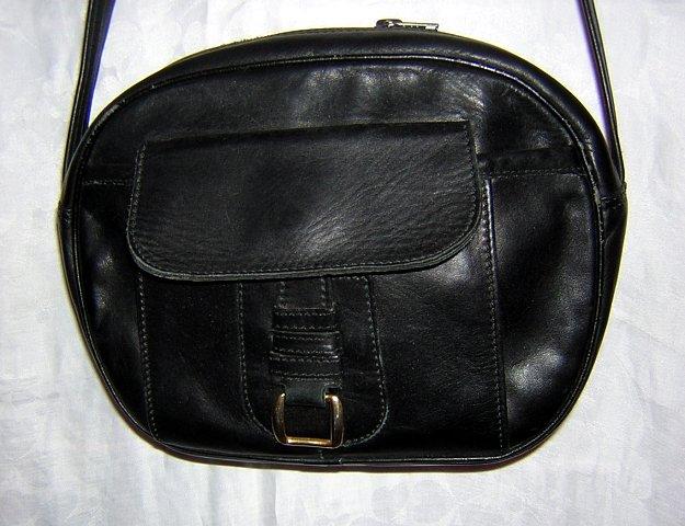 RO-EL black leather shoulder bag purse vintage made Canada ll1575