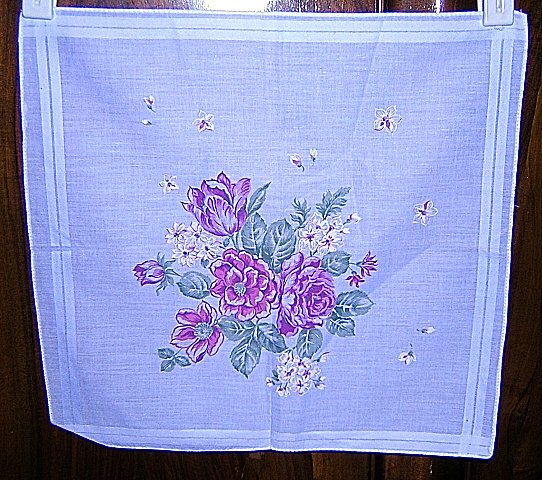White cotton hanky with posy center excellent condition ll1647