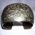 Wide silvertone cuff bracelet embossed vintage gorgeous ll1917
