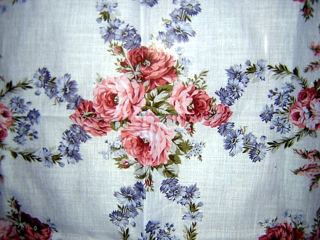 Guy Laroche Paris kerchief cabbage roses chemical lace corner unused with tags ll1001
