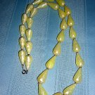 30 Inch teardrop bead yellow marbled lucite plastic necklace vintage jewelry ll2022