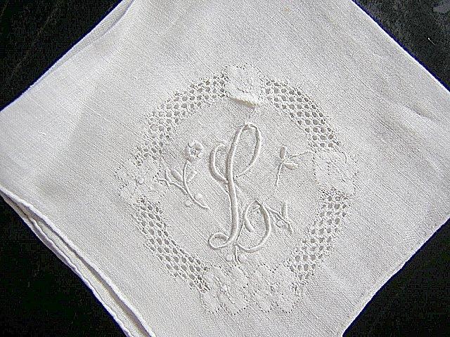 Vintage hand made embroidered hanky elegant monogram L ll1624
