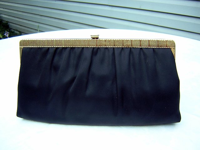 1950s vintage black satin evening bag w tuckable chain ll1523